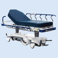Stryker Prime 1115 stretcher met Big Wheel besturing